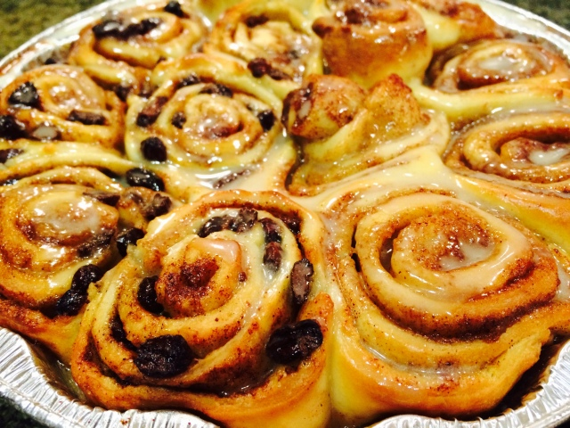 Half cinnamon raisin buns