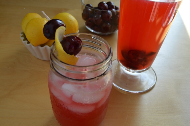 Cherry gin lemonade